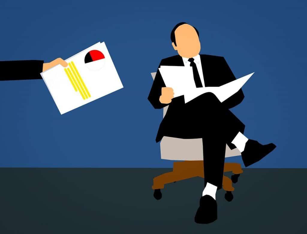 פקיד מקבל מסמכים